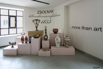 Zsolnay Infopont & shop
